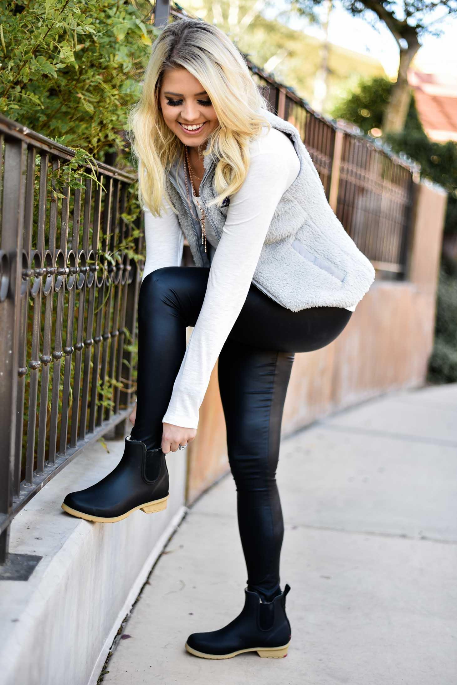 Erin Elizabeth of Wink and a Twirl in Chooka Rain Boots
