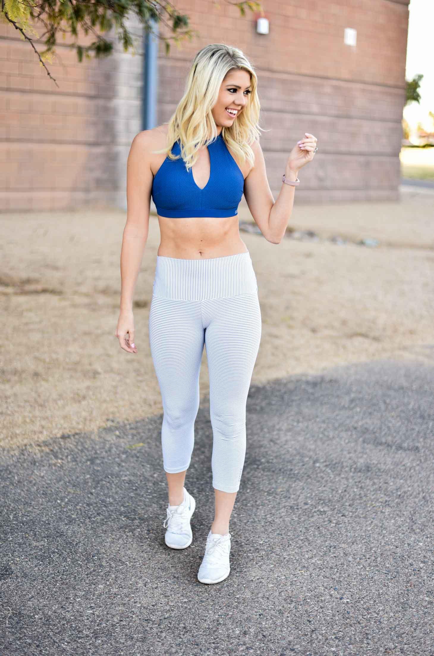 Erin Elizabeth of Wink and a Twirl in Lorna Jane Fitness Style