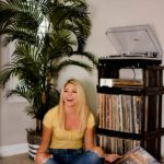 Erin Elizabeth of Wink and a Twirl Spring Music Playlist with Sonos Speakers