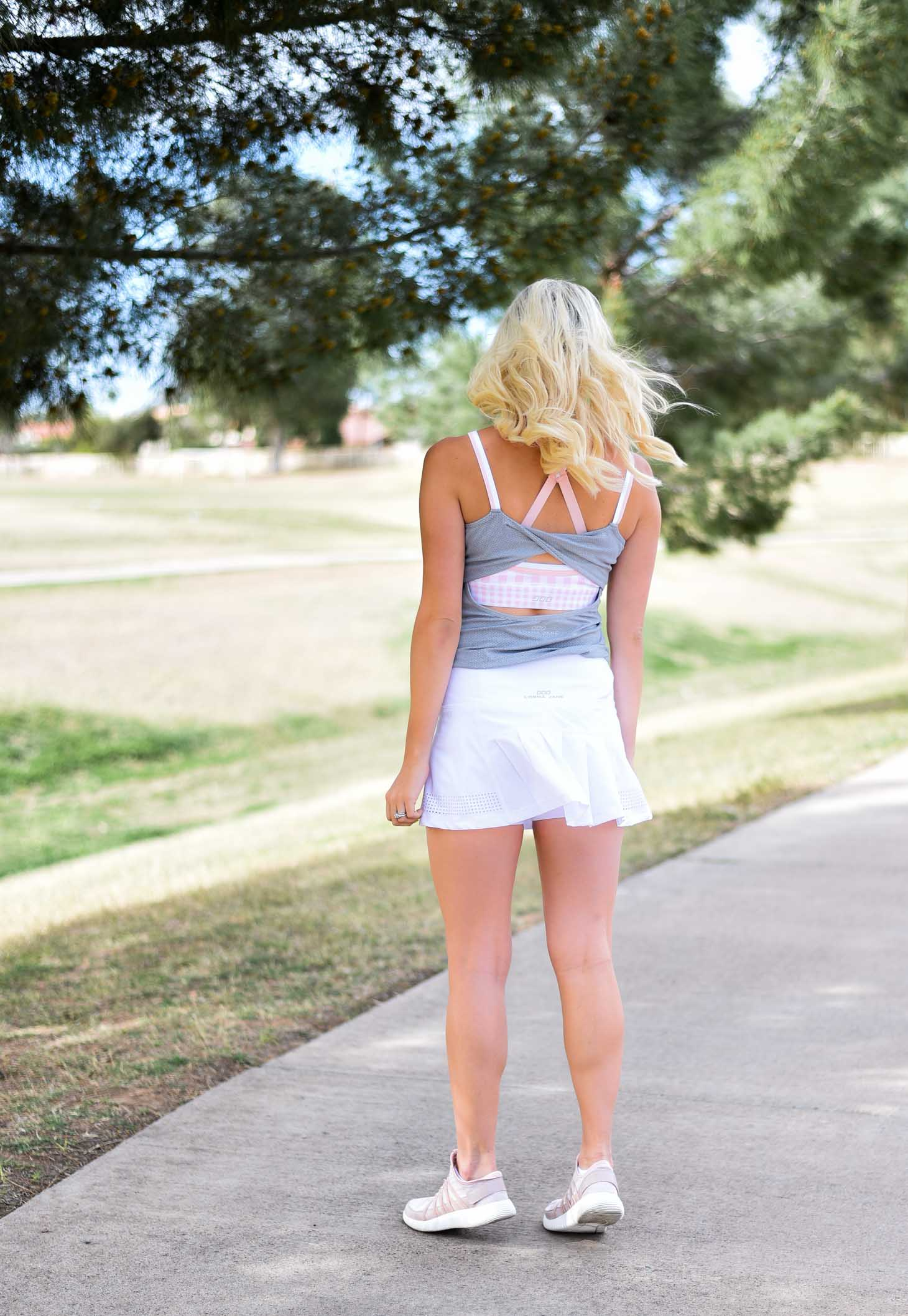 Erin Elizabeth of Wink and a Twirl in Lorna Jane Activewear Fitness Style