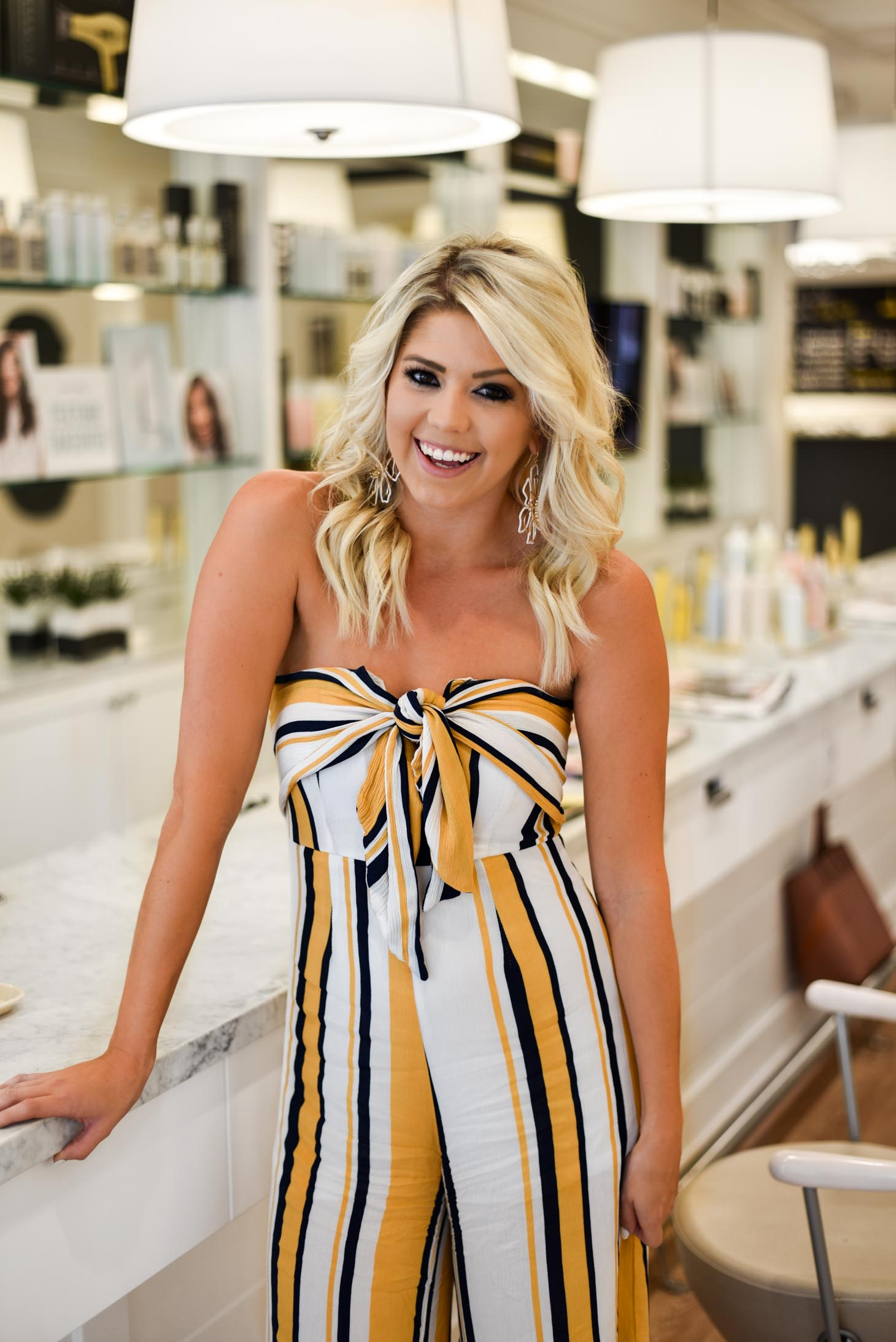Erin Elizabeth of Wink and a Twirl and Melissa of Always Meliss share their experience at the DryBar in Scottsdale, Arizona