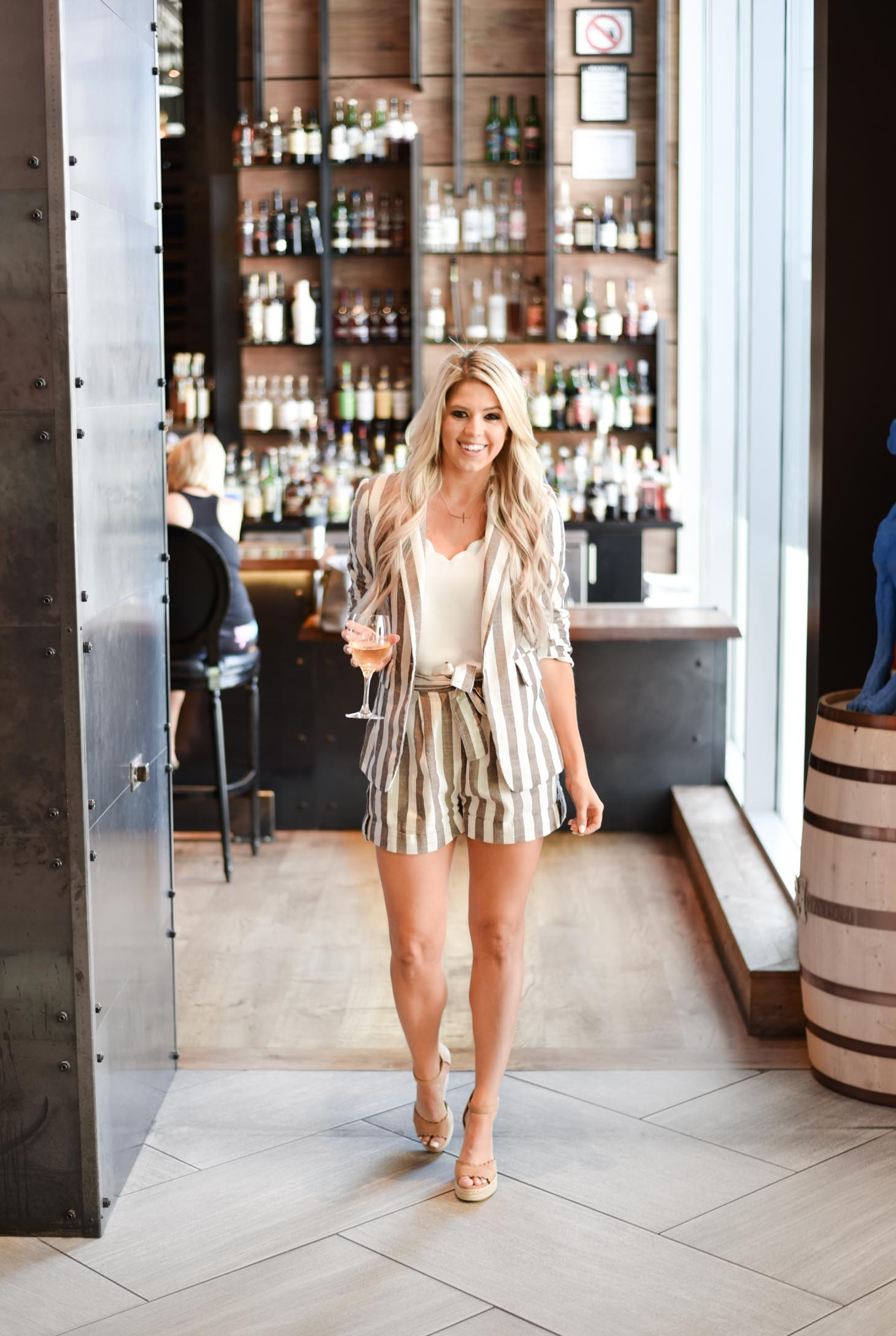 Erin Elizabeth of Wink and a Twirl shares her staycation in downtown Phoenix at the Kimpton Hotel Palomar