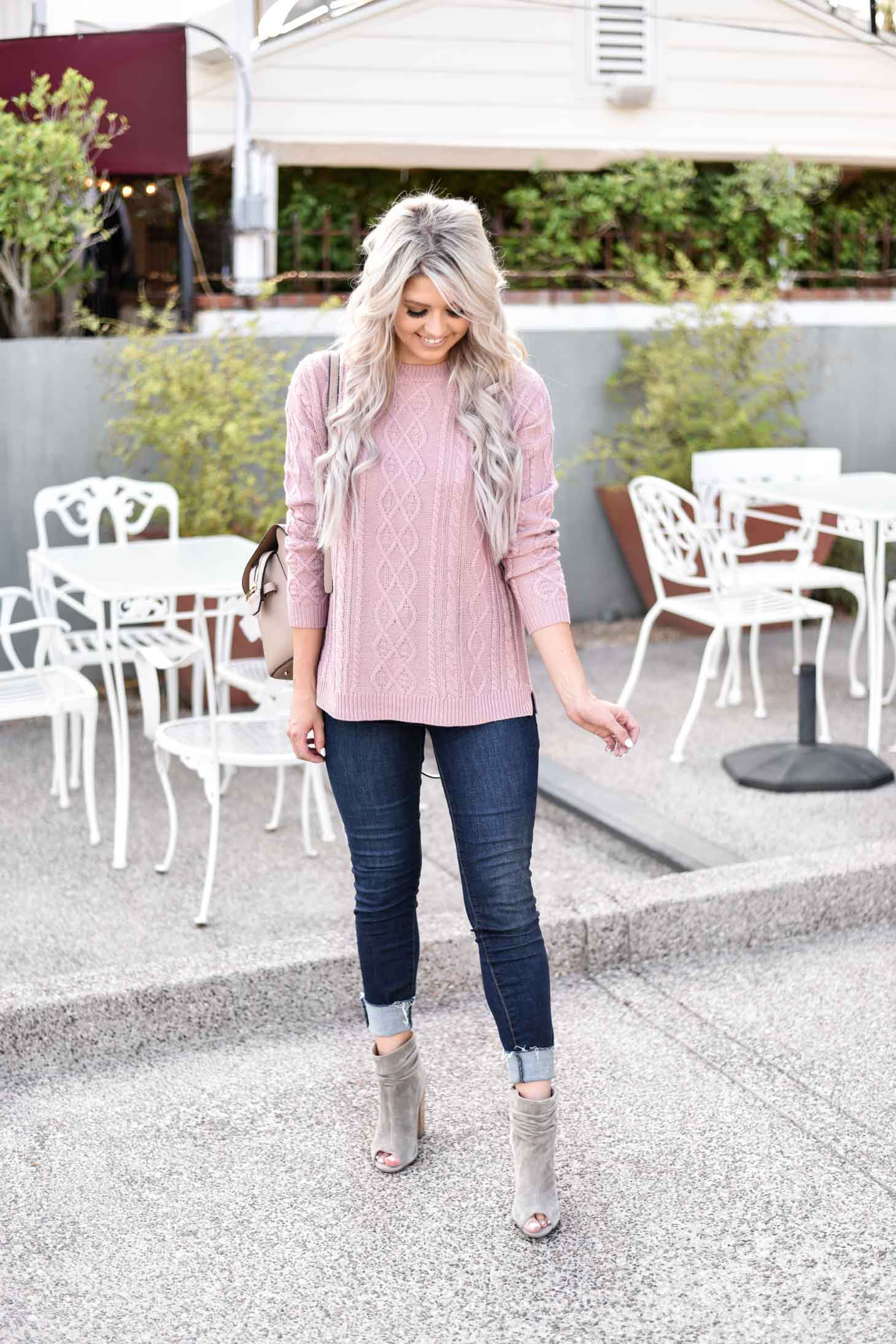 Erin Elizabeth of Wink and a Twirl shares the perfect sweater for your Fall wardrobe from Magnolia Boutique