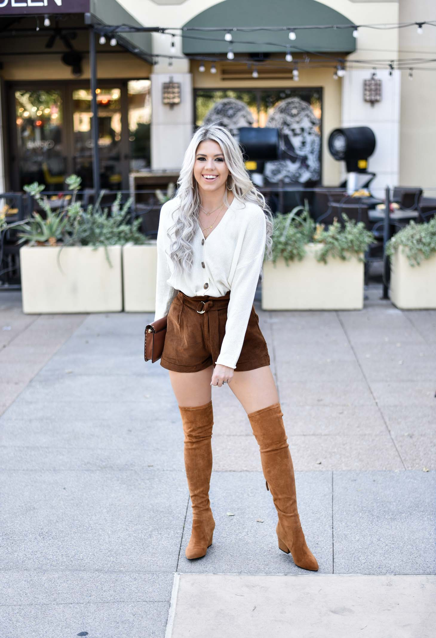 Erin Elizabeth of Wink and a Twirl in the cutest fall outfit from Goodnight Macaroon