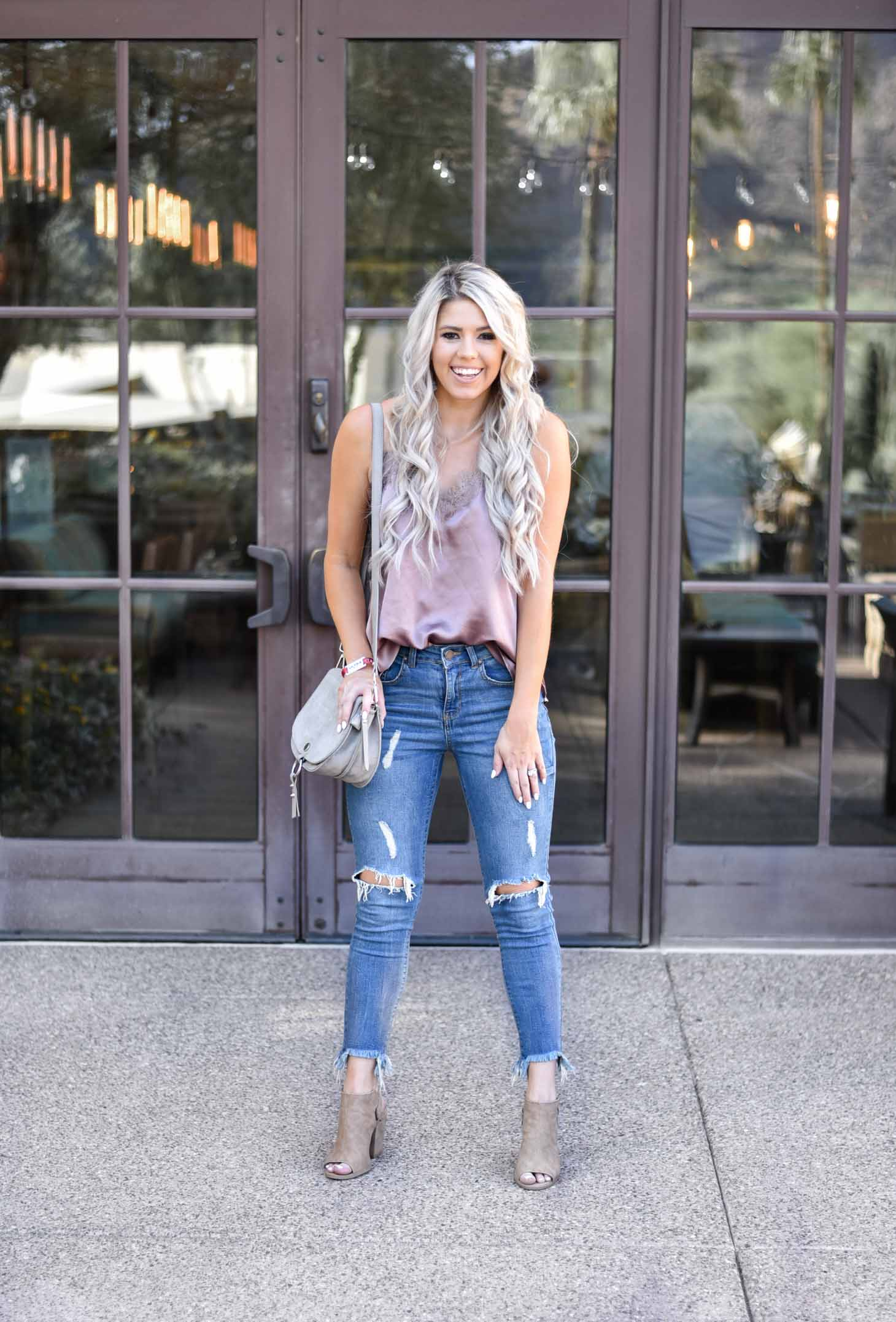 Erin Elizabeth of Wink and a Twirl shares the must have cami to wear with jeans this Fall from Pink Lily Boutique