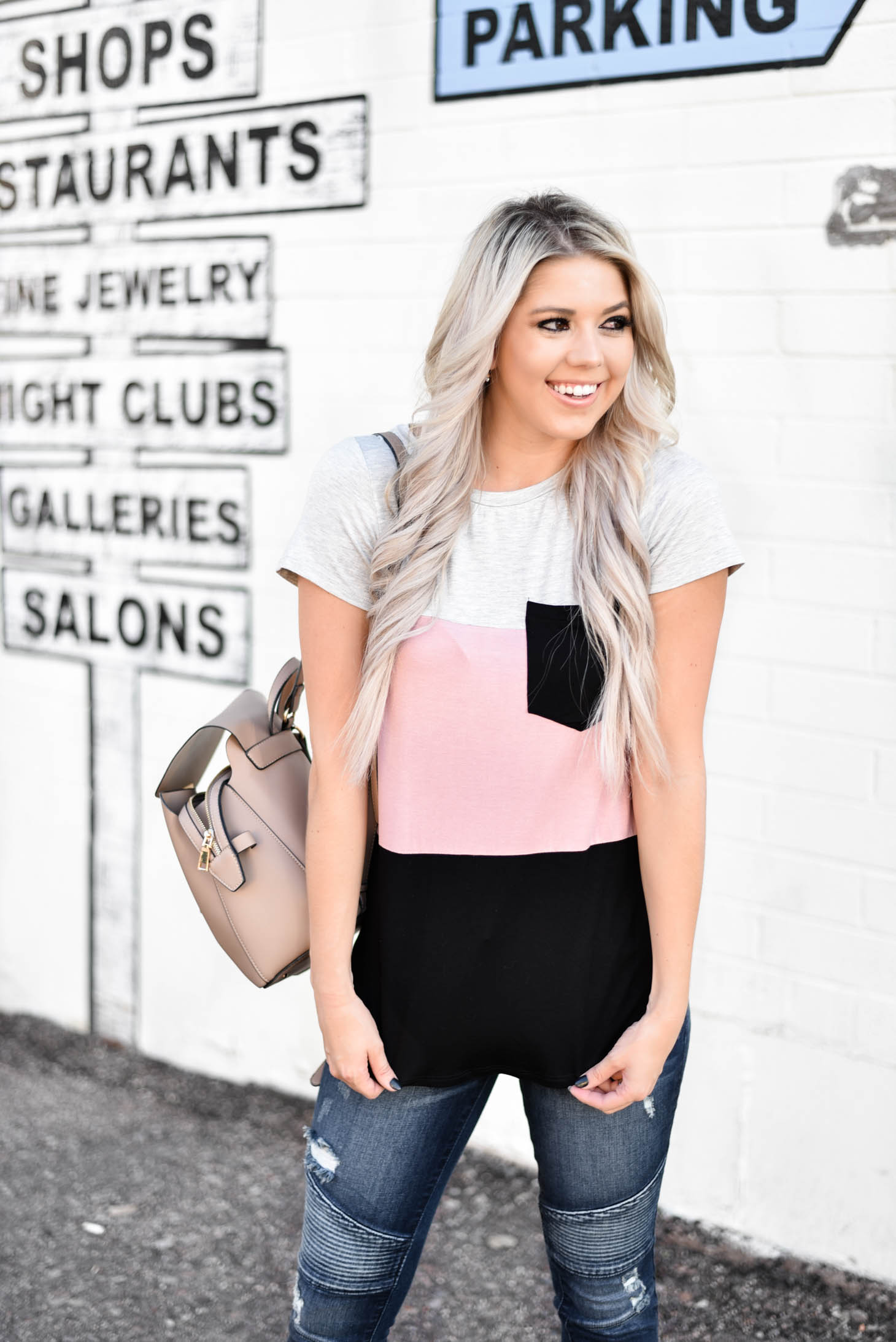 Erin Elizabeth of Wink and a Twirl shares the cutest striped tee and jeans from Valentina Boulevard