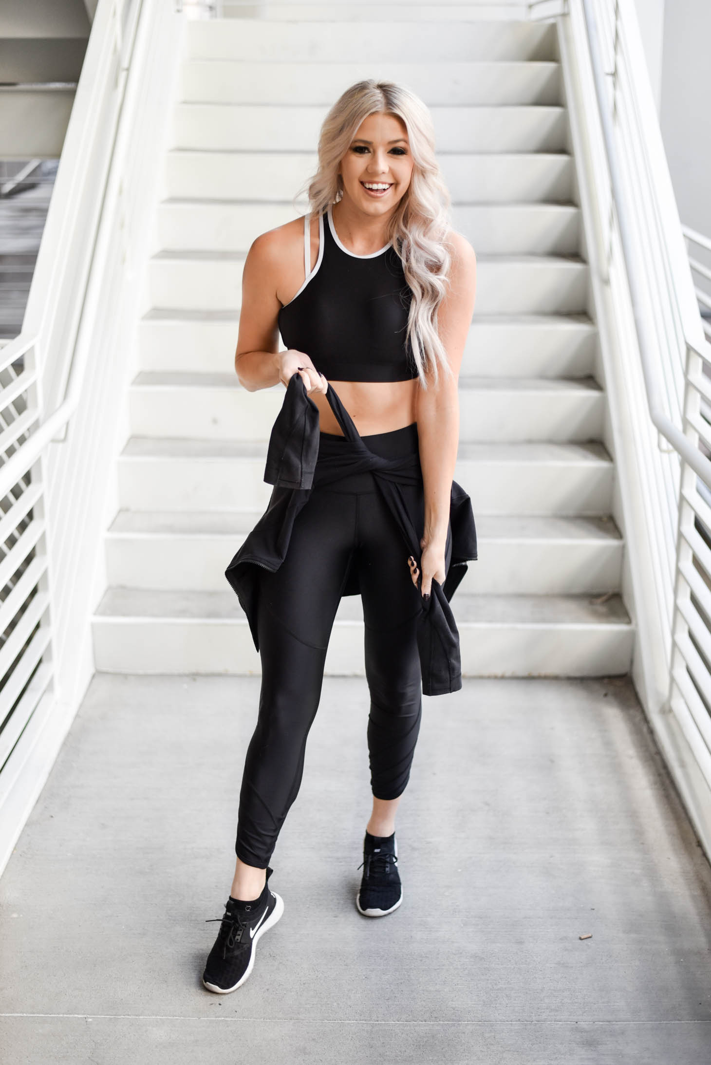 Erin Elizabeth of Wink and a Twirl shares the perfect workout Under Armour set to gift the fitness lovers in your life