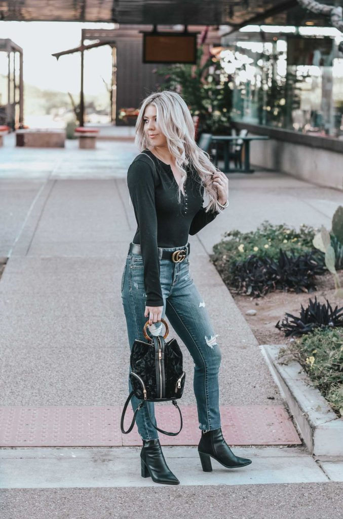 Erin Elizabeth of Wink and a Twirl rings in the New Year with this casual and chic Lulus look