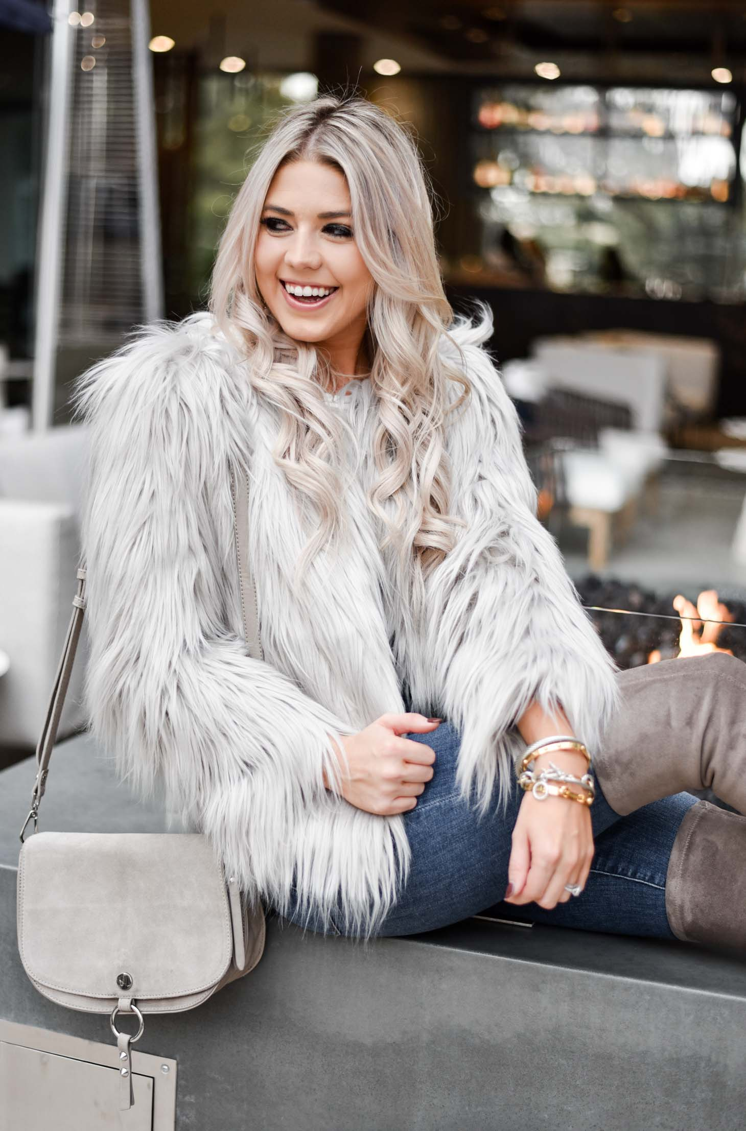 Erin Elizabeth of Wink and a Twirl shares the perfect faux fur jacket from Chicwish during her stay at AC Hotel Phoenix Biltmore in Phoenix, Arizona
