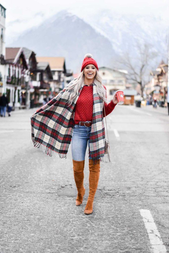 Erin Elizabeth of Wink and a Twirl shares the perfect casual holiday look from Abercrombie on her recent trip to Leavenworth, Washington