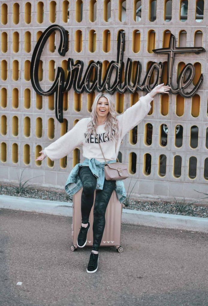 Erin Elizabeth of Wink and a Twirl shares her overall experience at her staycation at the Graduate Hotel Tempe in Tempe, Arizona