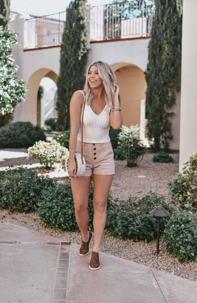 Erin Elizabeth of Wink and a Twirl shares her and her husbands wedding reunion weekend at the Omni Resort and Spa at Montelucia in Scottsdale, Arizona