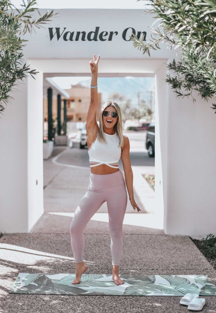 Erin Elizabeth of Wink and a Twirl shares her Amazon fitness look for her weekend at Vikara 3 Epic Days Yoga and Fitness Party at the Hotel Adeline in Scottsdale, Arizona
