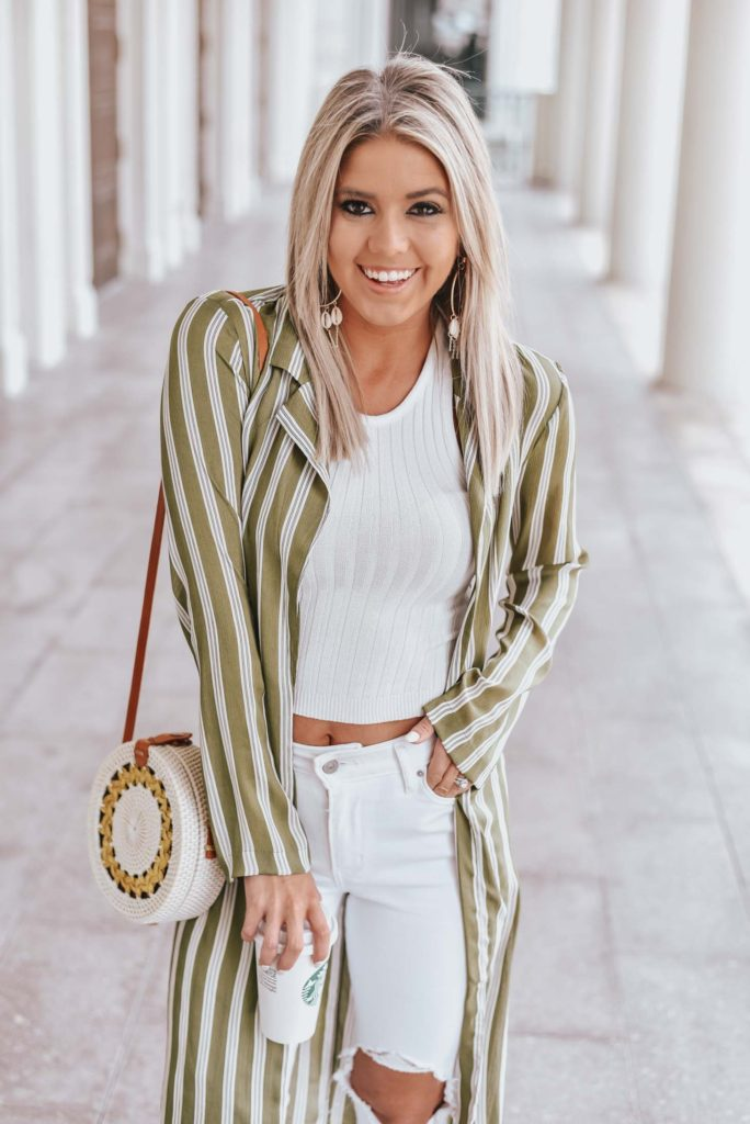 Erin Elizabeth of Wink and a Twirl shares one of her casual Vegas day looks from Lulus