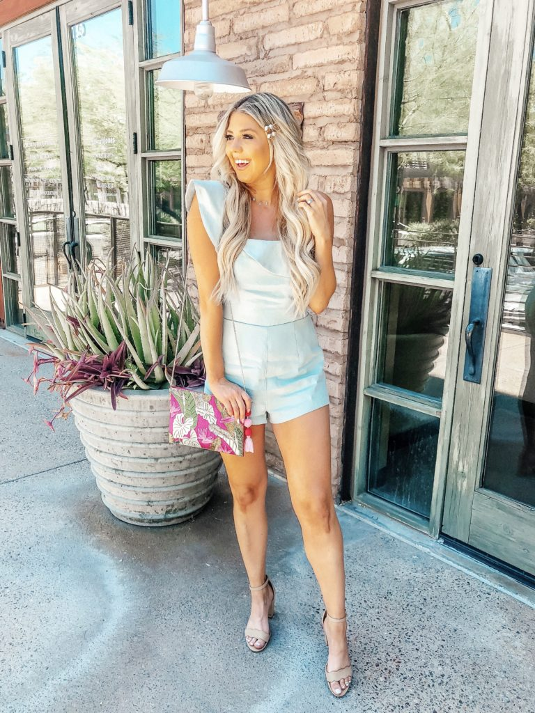 Erin Elizabeth of Wink and a Twirl share the perfect date night look from Lulus