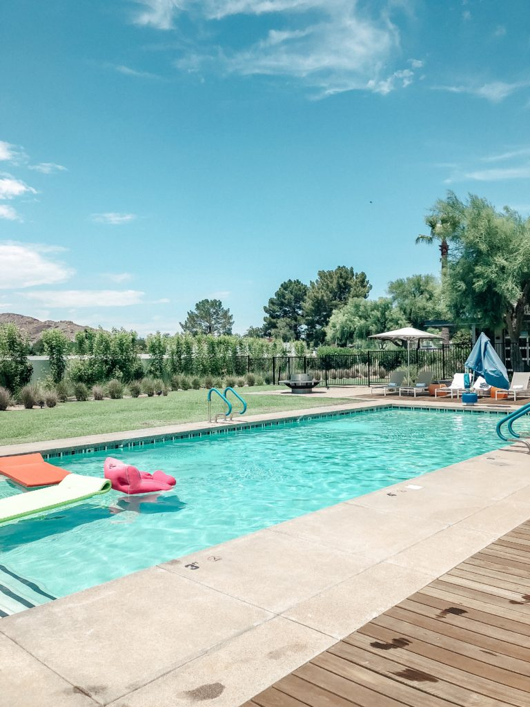 Erin Elizabeth of Wink and a Twirl shares her recent girl's staycation at the Andaz Scottsdale Resort and Bungalows in Scottsdale, Arizona
