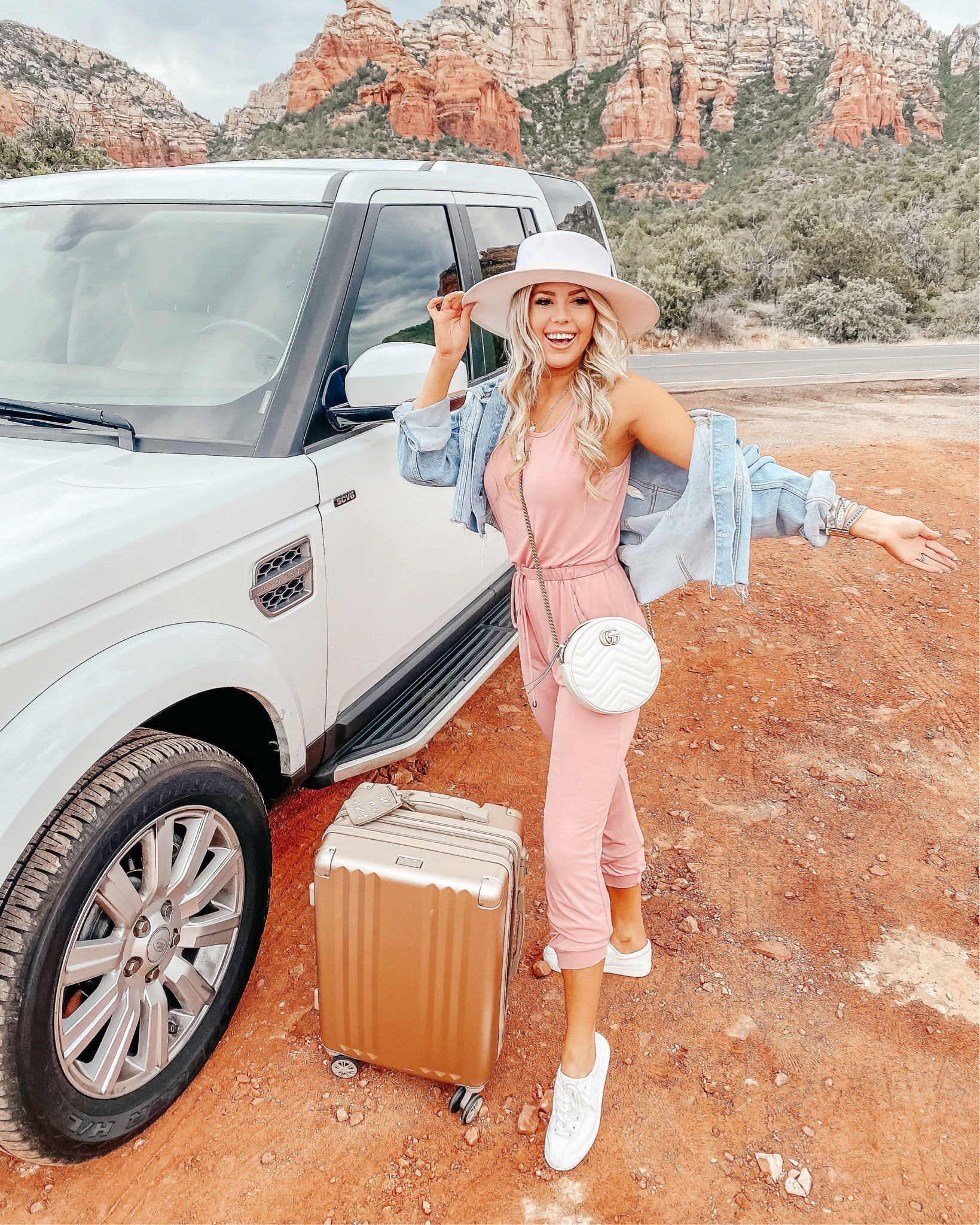 Sedona Outfit Recap + Travel Must Haves graphic